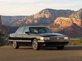 Ver foto 4 de Cadillac DeVille Concours 1994