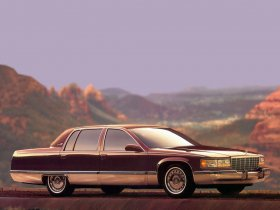 Ver foto 23 de Cadillac Fleetwood 1993