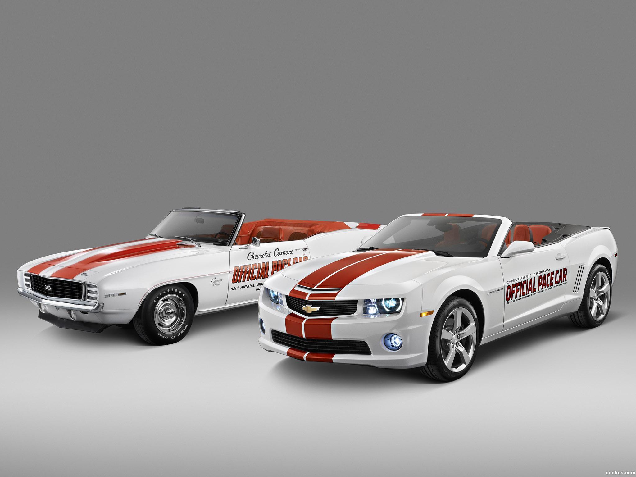 Foto 1 de Chevrolet Camaro Convertible Indy 500 Pace Car 2011