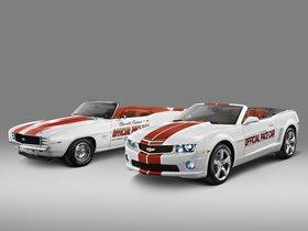 Ver foto 2 de Chevrolet Camaro Convertible Indy 500 Pace Car 2011