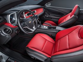 Ver foto 6 de Chevrolet Camaro LT RS Convertible Commemorative Edition 2015