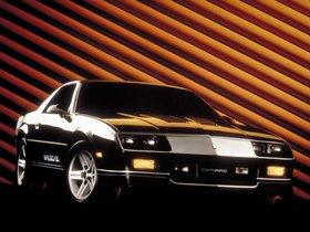 Ver foto 2 de Chevrolet Camaro Z28 IROC-Z T-Top 1985