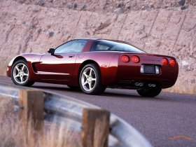 Ver foto 3 de Chevrolet Corvette Anniversary Edition 2003