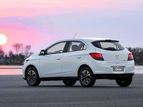 Ver foto 13 de Chevrolet Onix 2012