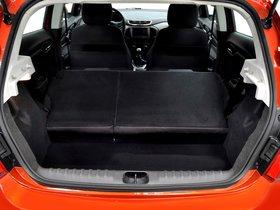 Ver foto 18 de Chevrolet Onix 2012
