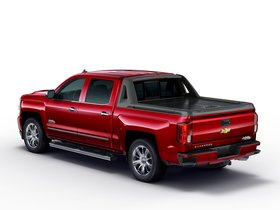 Ver foto 2 de Chevrolet Silverado High Country High Desert Crew Cab GMTK2 2016