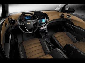 Ver foto 5 de Chevrolet Sonic Dusk 2013