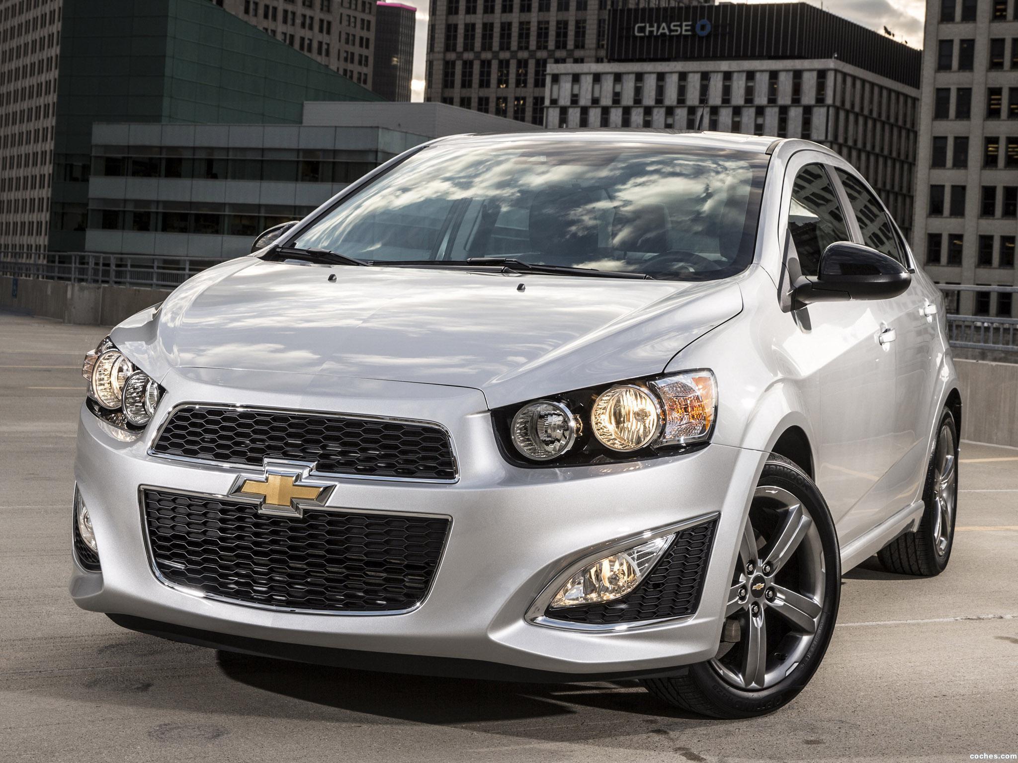 Fotos de Chevrolet Sonic RS Sedan 2014