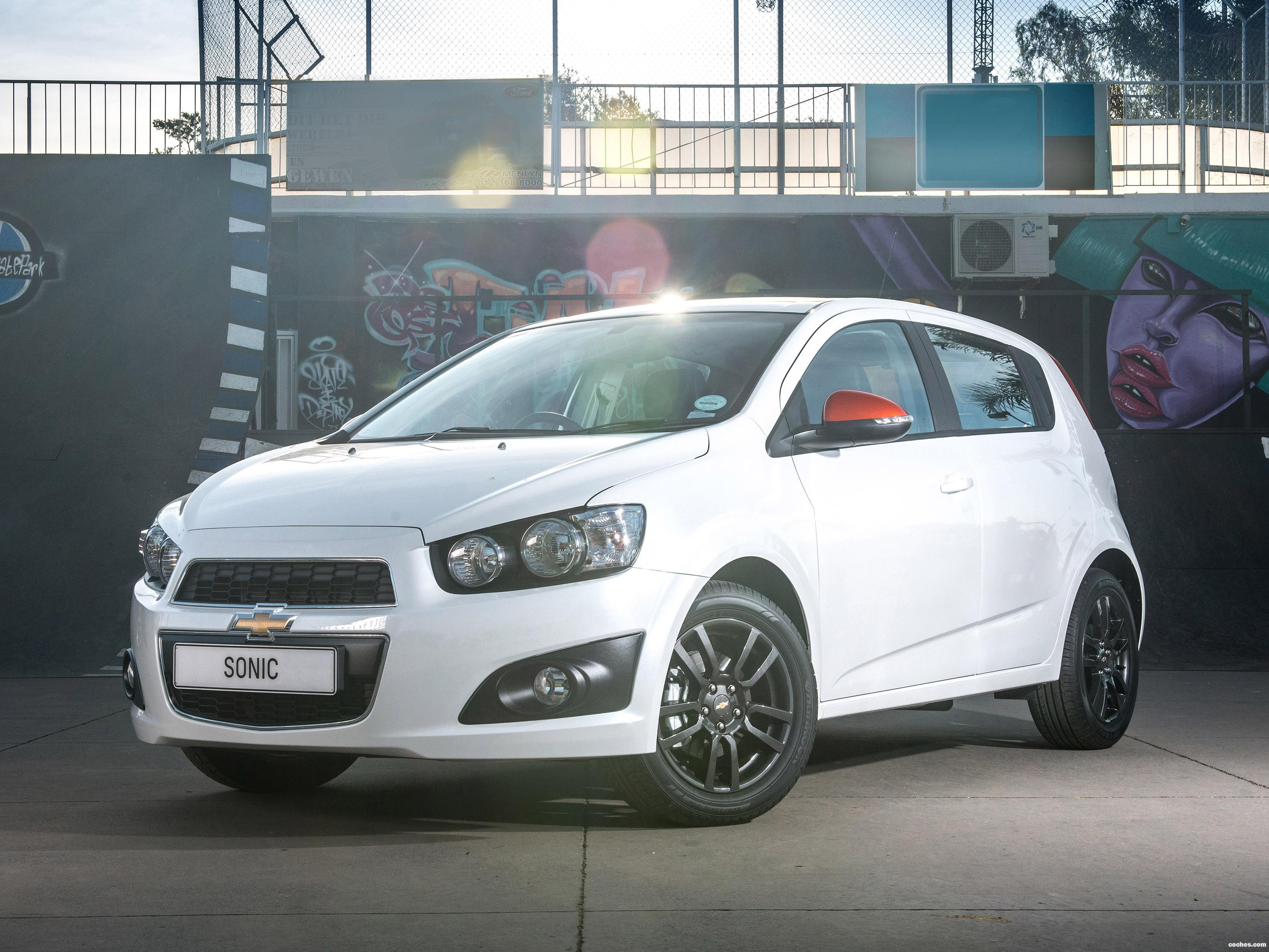 Foto 0 de Chevrolet Sonic Black & White UK 2014