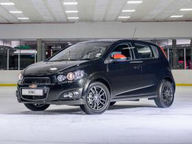 Ver foto 5 de Chevrolet Sonic Black & White UK 2014