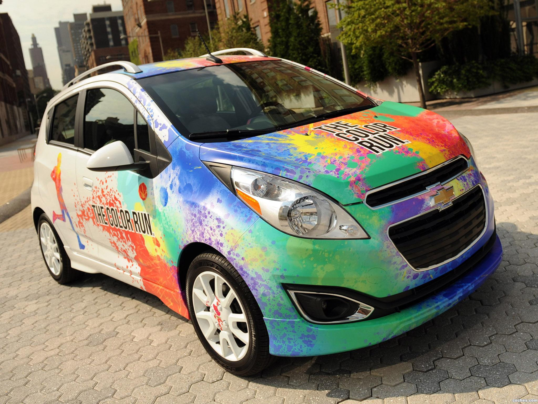 Foto 0 de Chevrolet Spark Pace Car for The Color Run 2012