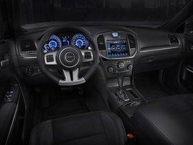Ver foto 17 de Chrysler 300 SRT8 2011