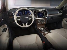 Ver foto 25 de Chrysler 300C Platinum 2015
