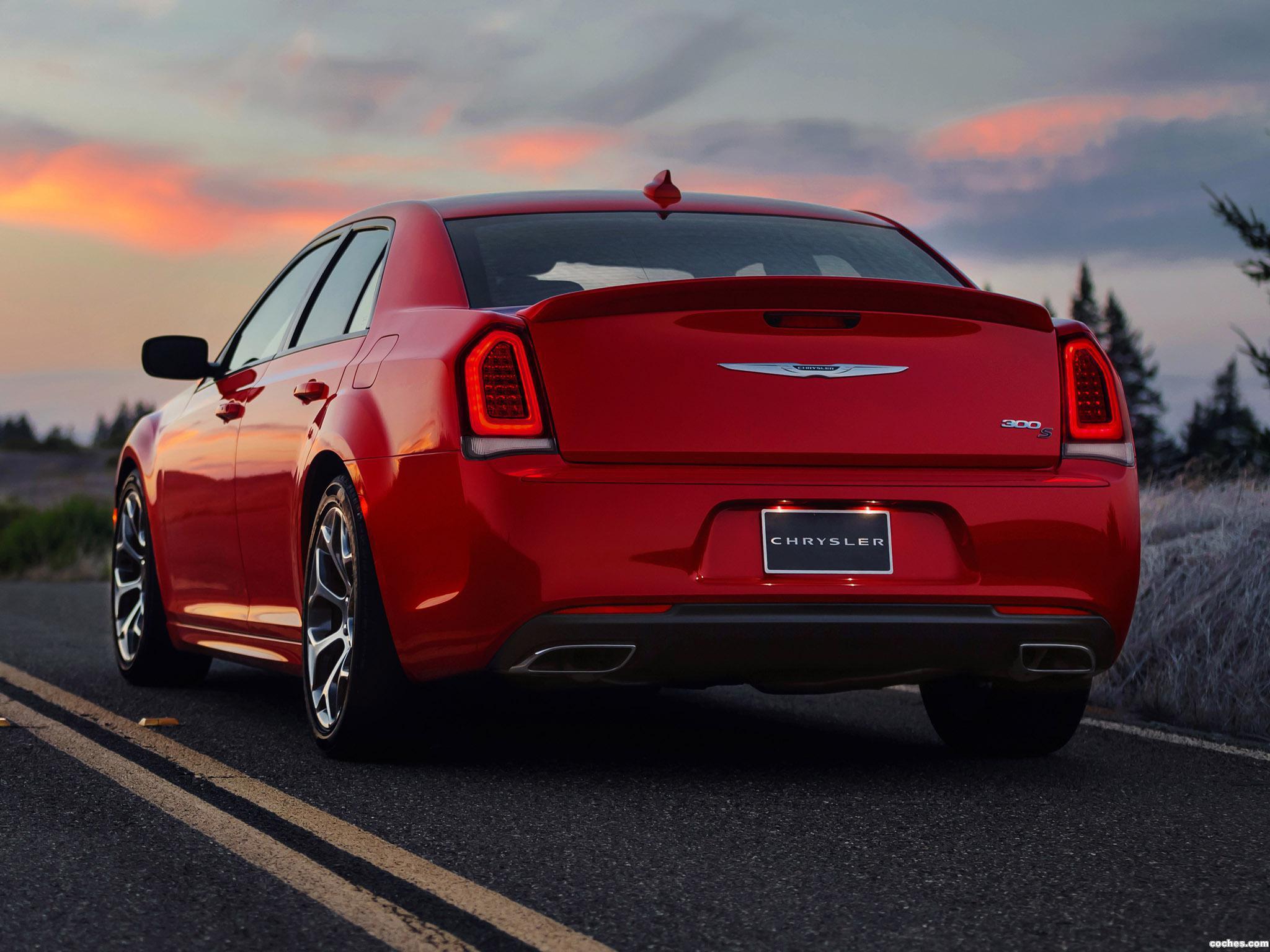 Foto 25 de Chrysler 300S 2015