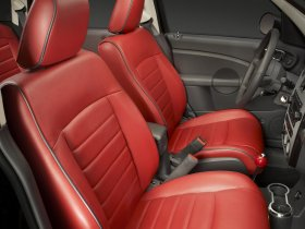 Ver foto 3 de Chrysler PT Cruiser Couture Edition 2010