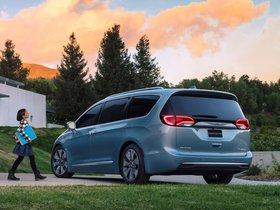 Ver foto 2 de Chrysler Pacifica Hybrid 2016