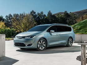 Fotos de Chrysler Pacifica Hybrid 2016