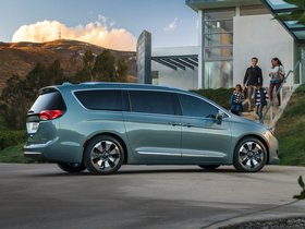 Ver foto 10 de Chrysler Pacifica Hybrid 2016