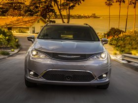 Ver foto 32 de Chrysler Pacifica Limited 2016