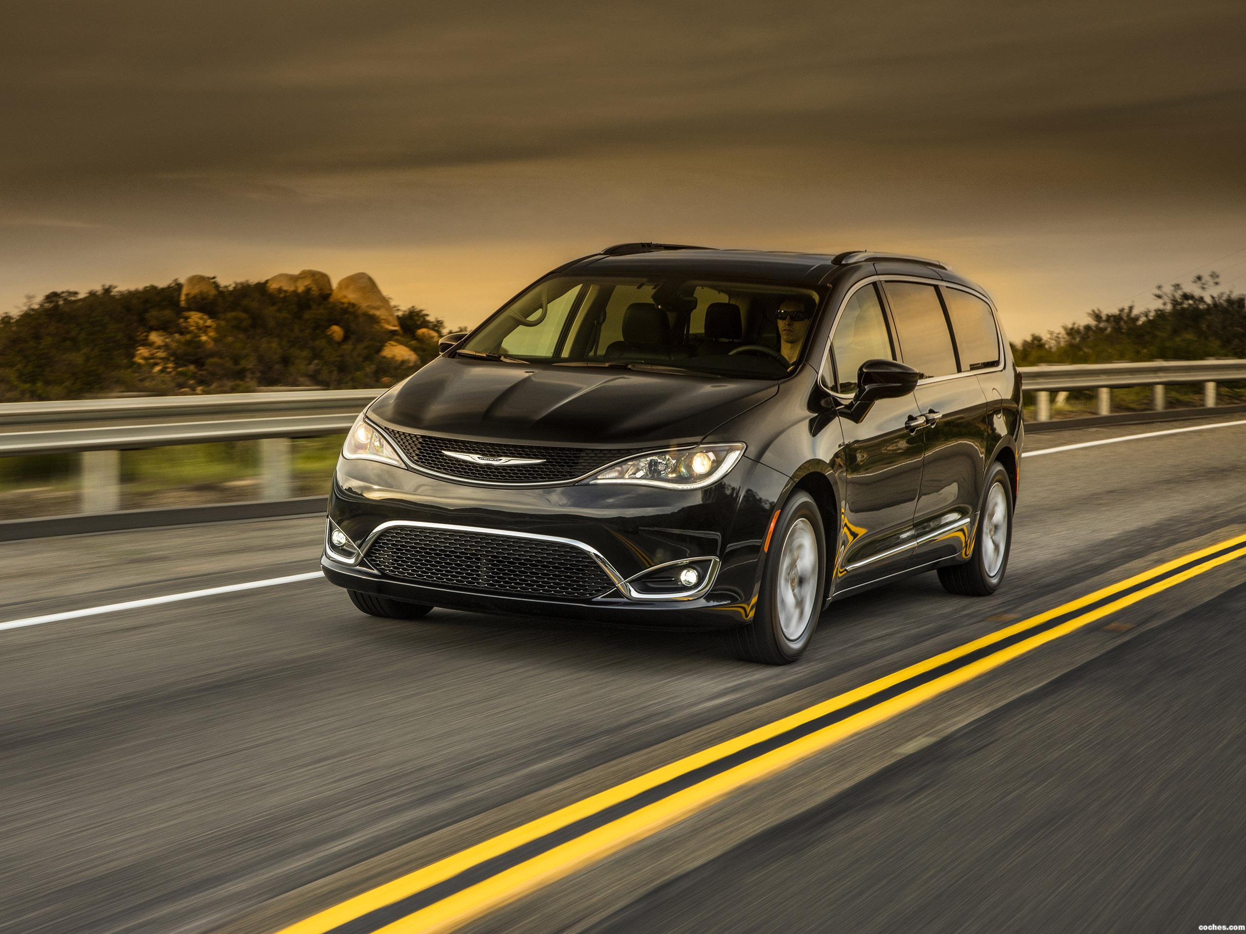 Foto 0 de Chrysler Pacifica Touring L Plus 2016