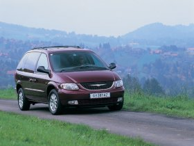 Ver foto 8 de Chrysler Voyager 2003