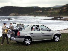 Ver foto 3 de Dacia Logan 2004