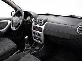 Ver foto 22 de Dacia Sandero 2008