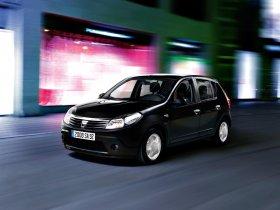 Ver foto 2 de Dacia Sandero 2008