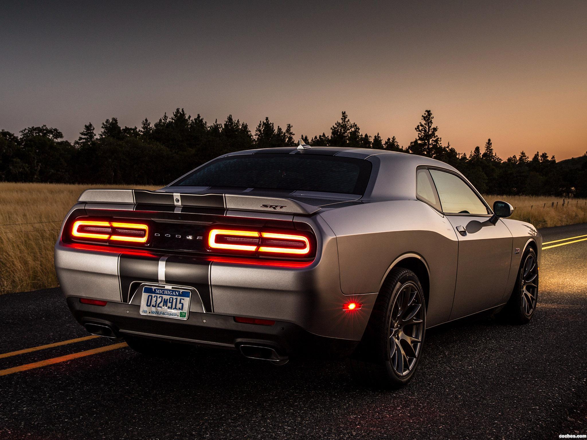 Foto 13 de Dodge Challenger SRT 2014