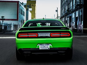 Ver foto 4 de Dodge Challenger SRT Supercharged Hellcat 2014