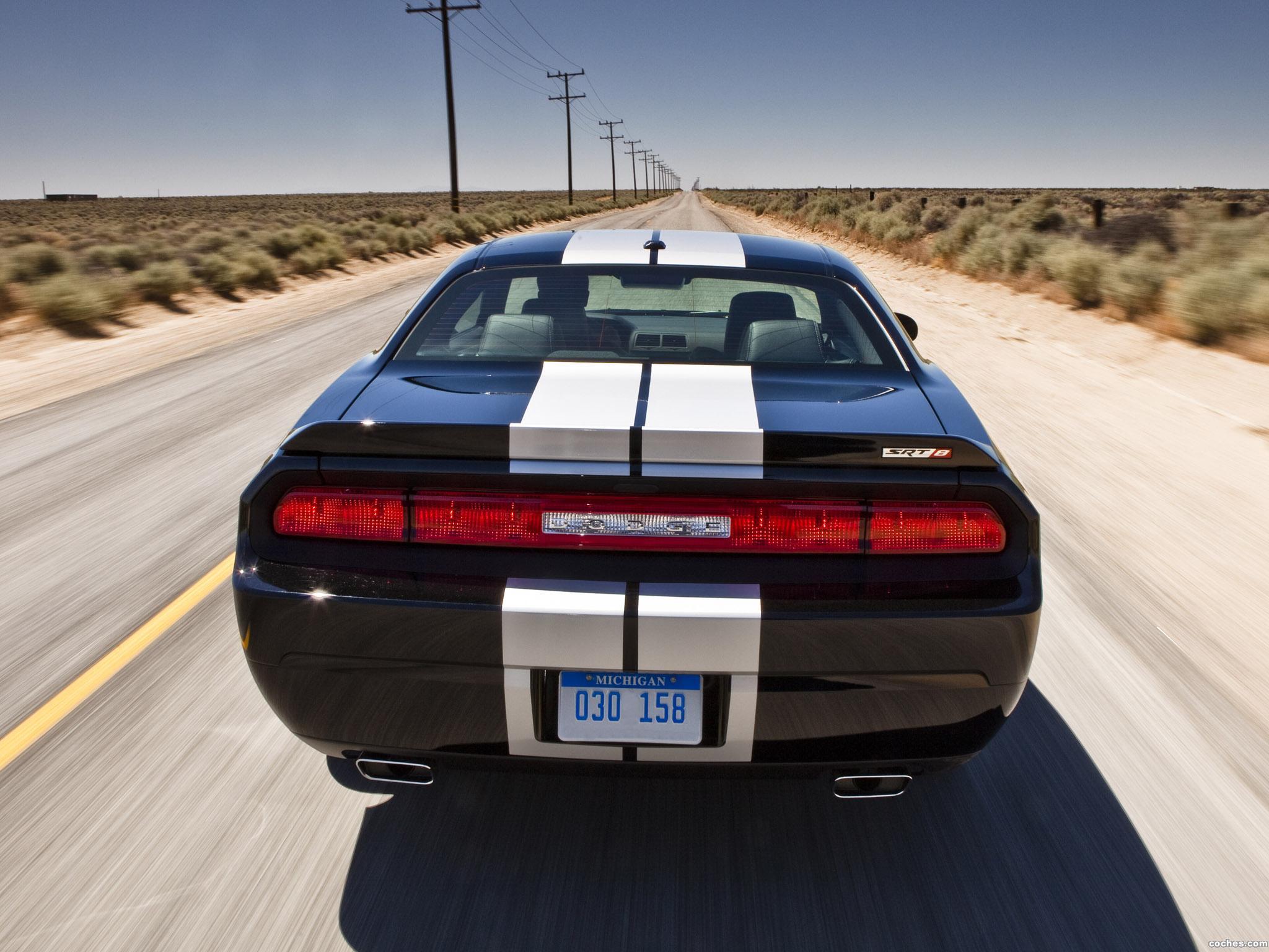 Foto 11 de Dodge Challenger SRT8 392 2010