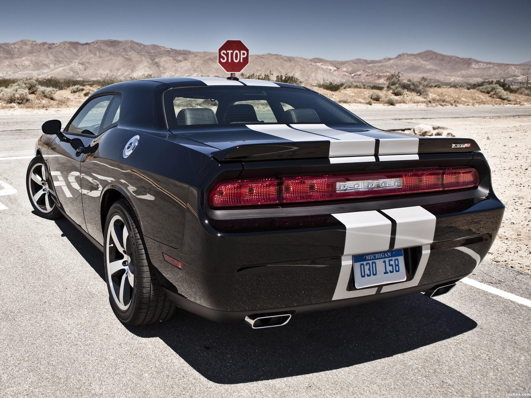 Foto 6 de Dodge Challenger SRT8 392 2010