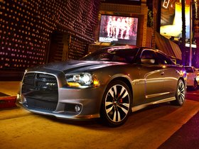 Ver foto 14 de Dodge Charger SRT8 2011