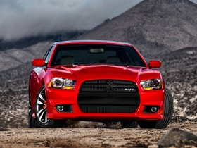 Ver foto 2 de Dodge Charger SRT8 2011