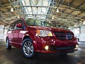 Ver foto 4 de Dodge Grand Caravan R-T 2011