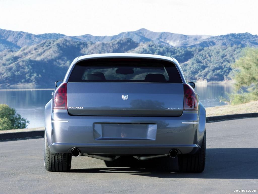 Foto 13 de Dodge Magnum SRT-8 2003
