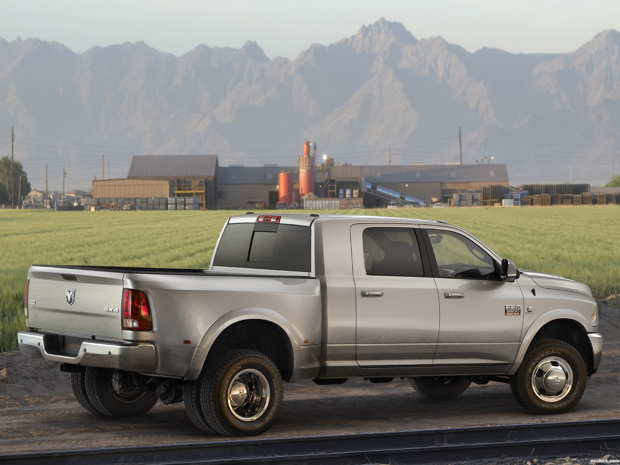 Foto 7 de Dodge RAM 3500 Heavy Duty Laramie Mega Cab 4x4 2009
