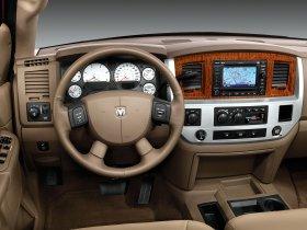 Ver foto 5 de Dodge RAM 3500 Mega Cab Dually 2009