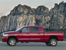 Ver foto 2 de Dodge RAM 3500 Mega Cab Dually 2009