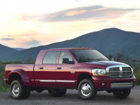 Fotos de Dodge RAM 3500 Mega Cab Dually 2009
