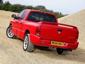 Ver foto 3 de Dodge Ram SRT-10 2004