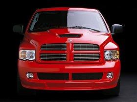 Ver foto 16 de Dodge Ram SRT-10 2004