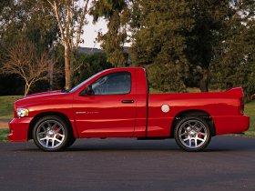 Ver foto 11 de Dodge Ram SRT-10 2004