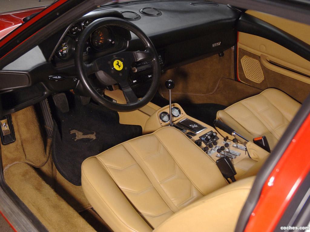 Foto 8 de Ferrari 308 GTSi Quattrovalvole 1982