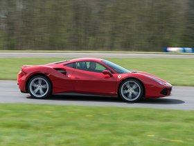 Ver foto 2 de Ferrari 488 GTB UK 2015