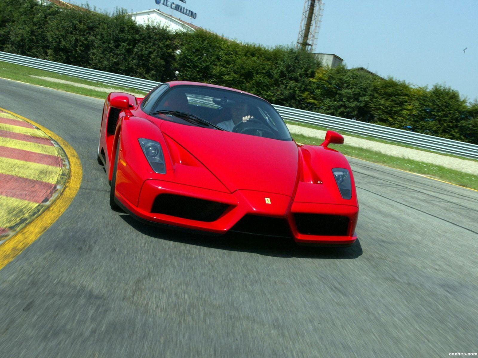 Foto 15 de Ferrari Enzo 2002