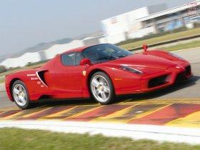 Ver foto 33 de Ferrari Enzo 2002