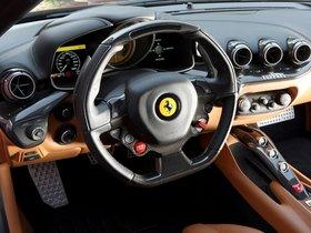 Ver foto 30 de Ferrari F12 berlinetta 2012