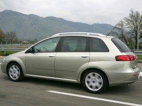 Ver foto 13 de Fiat Croma 2005