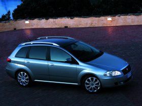 Ver foto 31 de Fiat Croma 2005